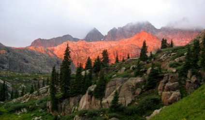 Alpenglow at sunrise in the Sunlight drainage under Jagged Peak, CO