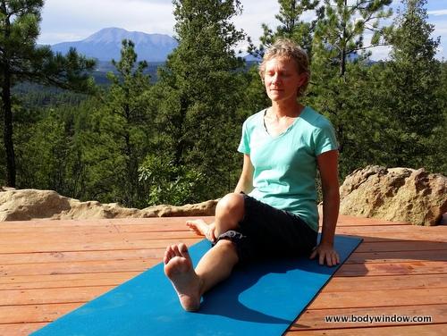 Yin Yoga, Half Shoelace Pose, Starting Position