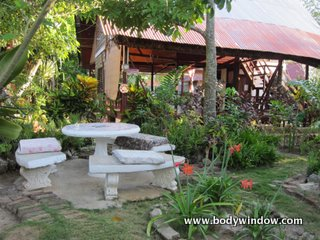 Outdoor dining at the Negril Yoga Center, Negril Jamaica