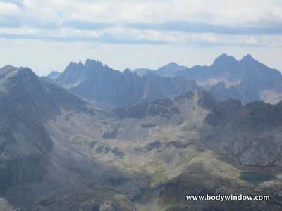 Jagged Peak, Windom and Sunlight Peaks from Vestal Peak Summit