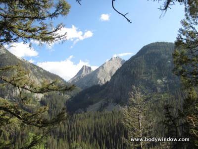 Vestal Peak and Arrow Peak from Colorado Trail